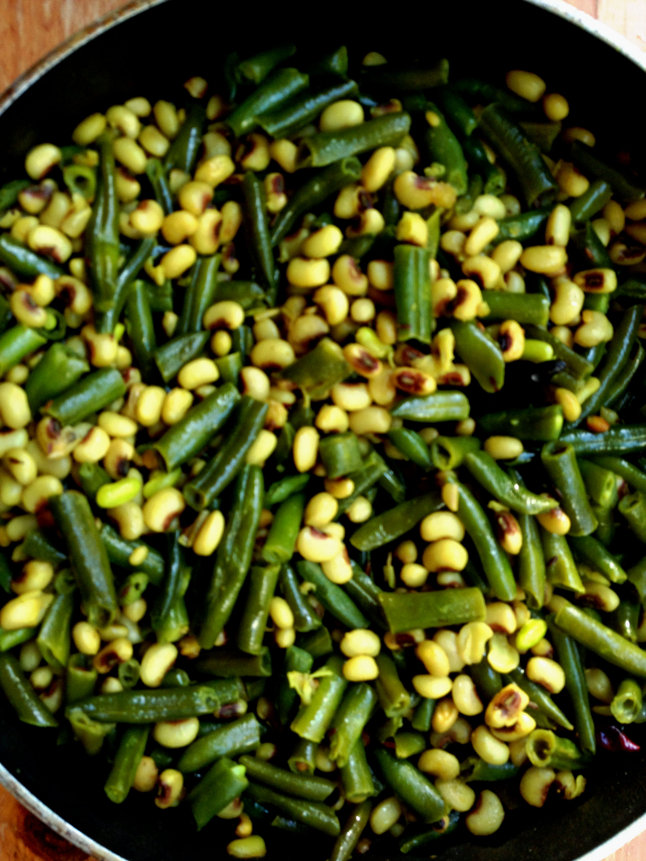 String Beans and Black-Eyed Peas Curry