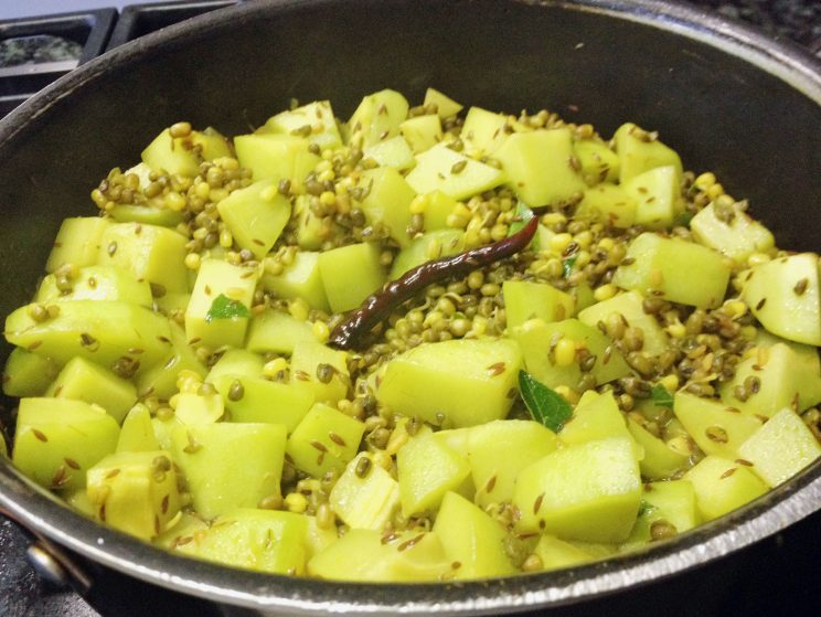 Squash with Mung Bean sprouts